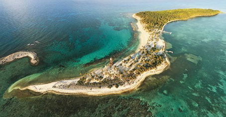 UNESCO world heritage site, Half Moon Caye, 4 miles Blue Hole, 3 Miles Long Caye and Huracan Diving Lodge